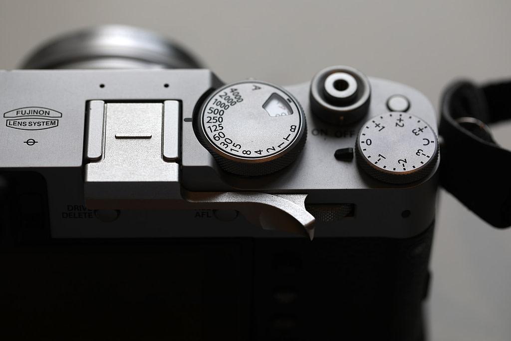 FujiFilm x100v buttons